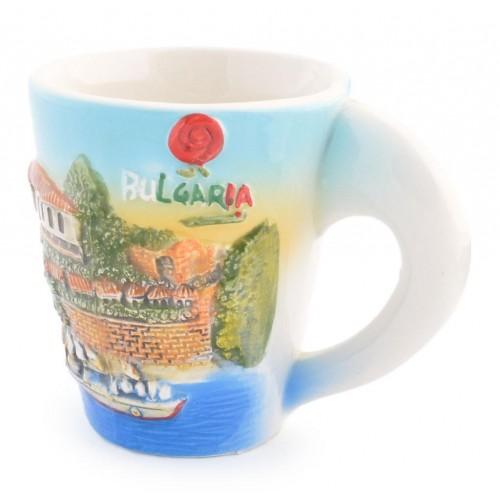 Чаша с красиво изображение и логото на България