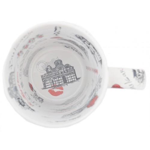 Сувенирна керамична чаша, декорирана със забележителности от Българското черноморие