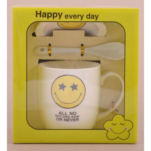 Забавна керамична чаша с усмихната емотиконка и различни надписи.