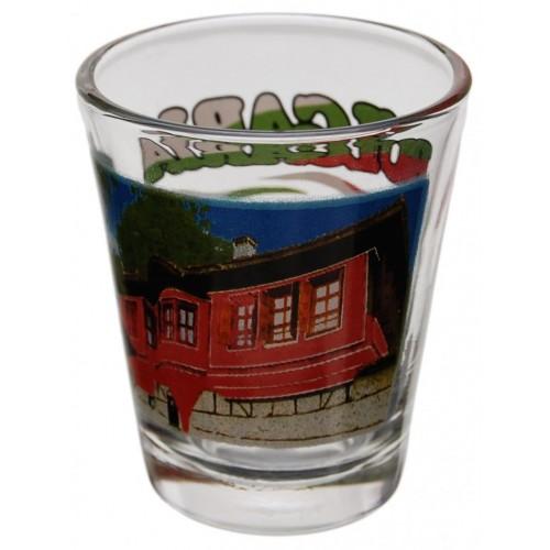 Комплект четири броя стъклени чаши с декорация - старинна къща