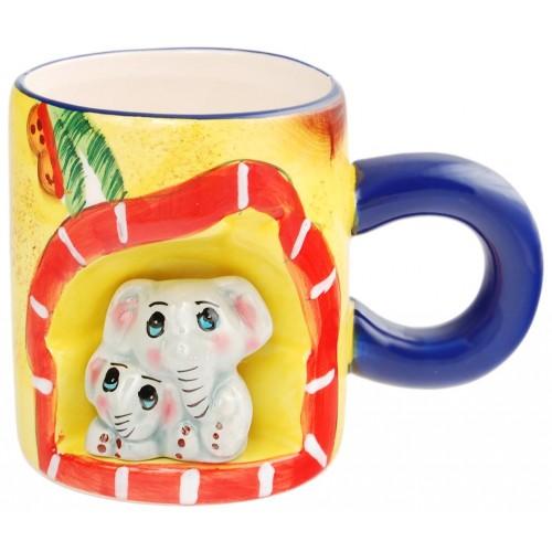 Сувенирна порцеланов чаша с нестандартна форма