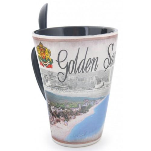 Керамична чаша с лъжичка, декорирана с плажна ивица от Златни пясъци и хотели