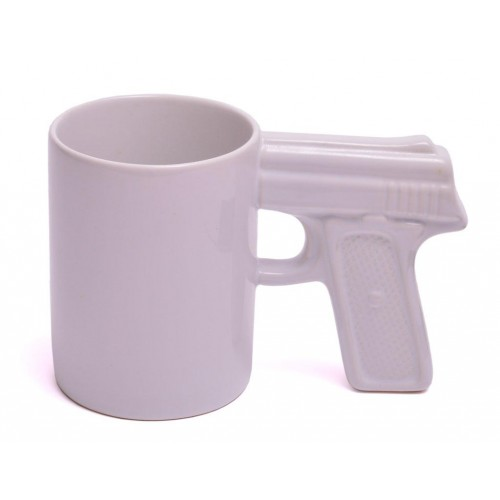 Забавна порцеланова бяла чаша с дръжка - пистолет